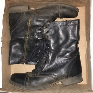 Black Troopa Steve Madden combat boots